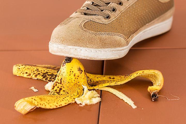 Turnschuh steigt nahezu auf Bananenschale-Fehler-im-Jahresgespräch